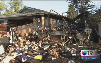 Casa rodante arde en llamas