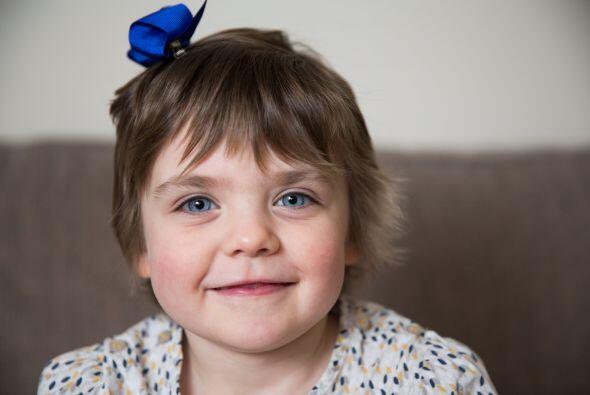 Hace un año, a Isobel le encontraron un tumor en su estómago del tamaño...