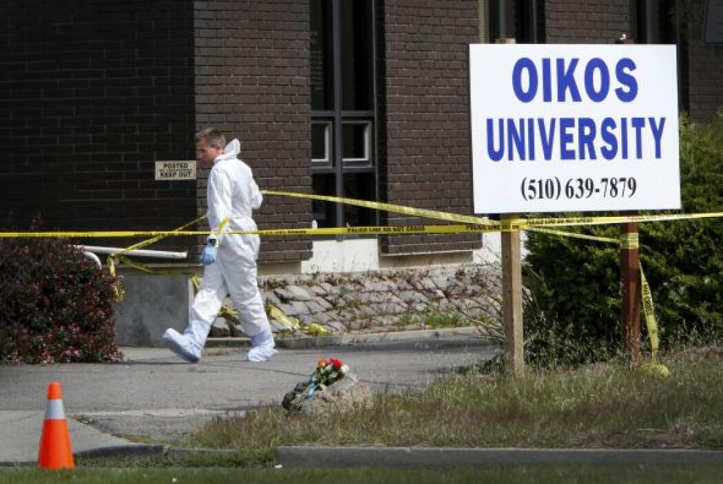 Abril 2- En el estado de California, un hombre mata a siete personas y o...