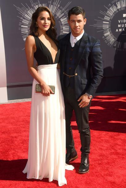 Derramando miel sobre hojuelas aparecieron Olivia Culpo y Nick Jonas. Él...