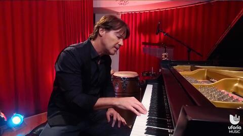 """Aprende a tocar """"Somos Novios"""" en piano"""
