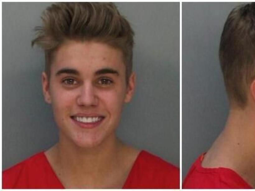 Otro de los polémicos casos fue el de Justin Bieber, quien fue arrestado...