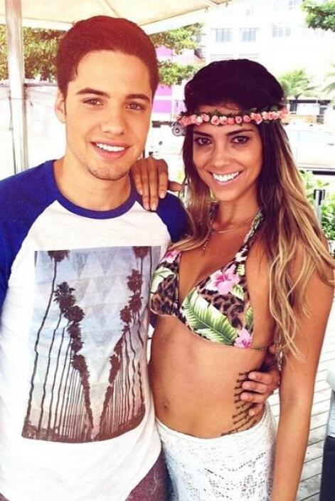 """I ❤️ Brasil.. @sabrinapetrarca"", dijo fascinado William. (Julio 3, 2014)"