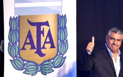 El nuevo presidente del fútbol argentino dijo que peleará por Messi y qu...