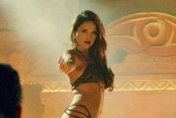 Y esta vez la elegida para realizar esta sensual baile exótico fue Eiza.