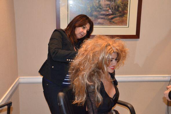 Ese cabello debía ser despeinado tanto como fuera posible, ¡para que fue...