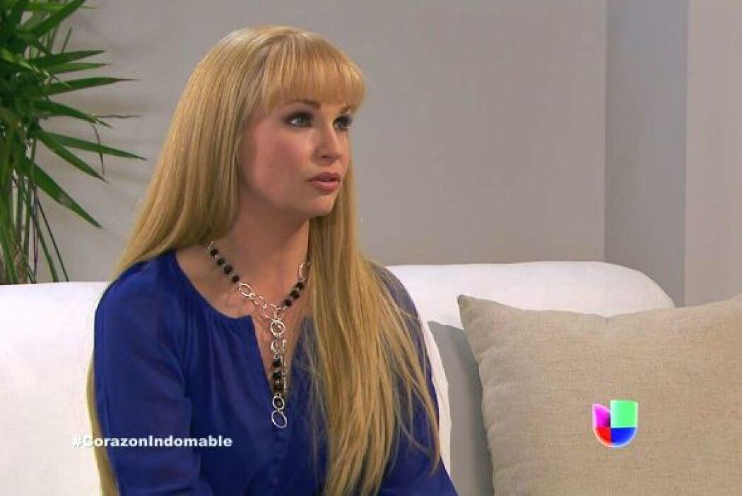 Raiza le pide a Maricruz que no trate de engañarla, pues ella no es la h...