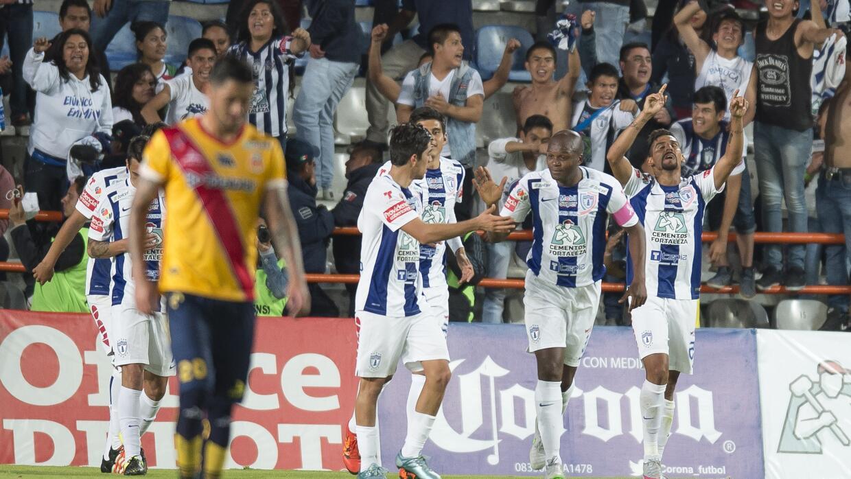 Franco Jara hizo los dos goles del partido.