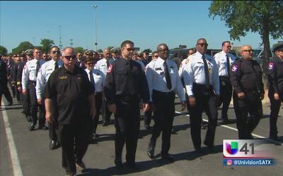 Rinden tributo al bombero caído Scott Deem