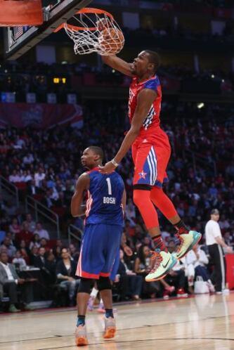 Kevin Durant fue el máximo anotador del encuentro con 30 puntos.