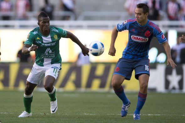 Carlos Gerardo Rodríguez (8).- Ha vuelto él a la titularidad y Chivas es...