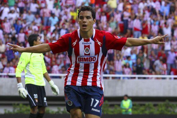 Otro delantero mexicano, con mucha experiencia, es Omar Bravo. Luego de...