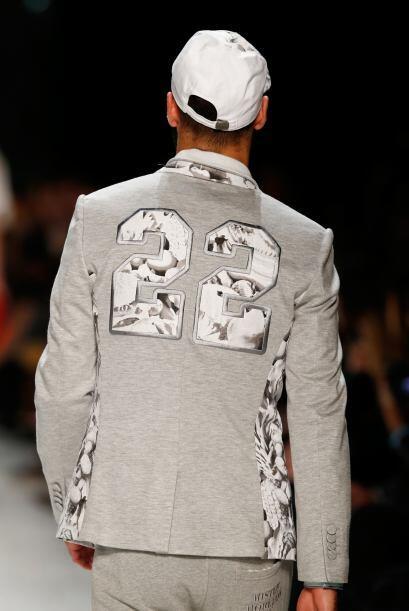 Para el diseñador Frankie Morello fue una buena idea mezclar lo 'sport'...