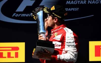 Kimi Raikkonen se impuso a un potente Fernando Alonso para ganar Austral...