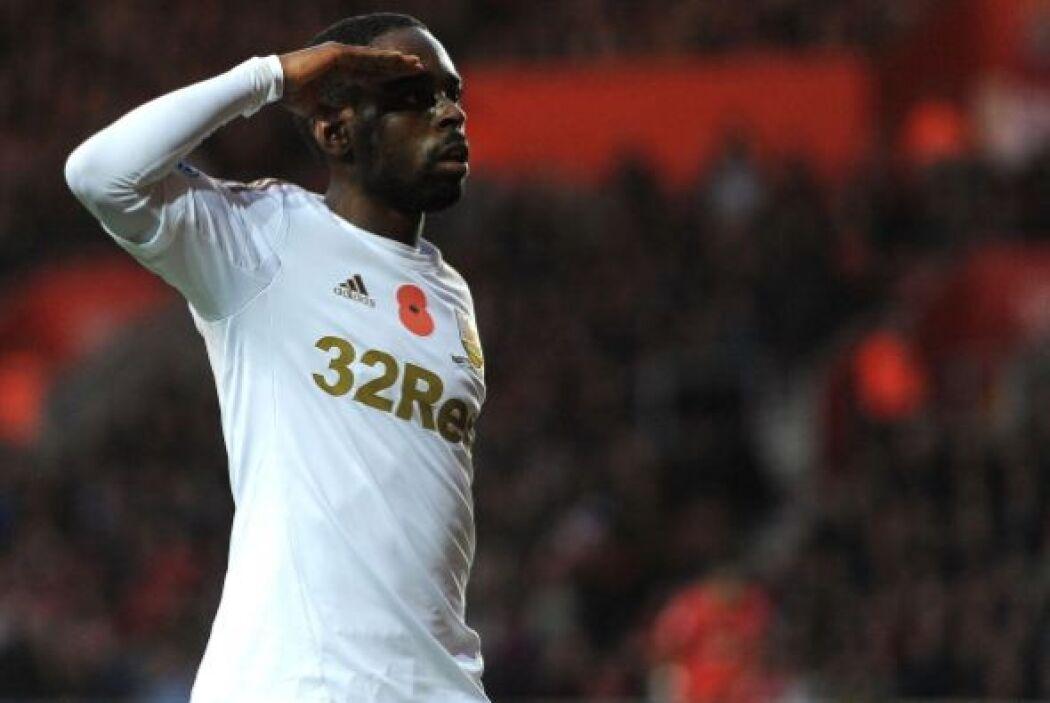 Nathan Dyer empató el partido para el Swansea y celebró con el saludo mi...