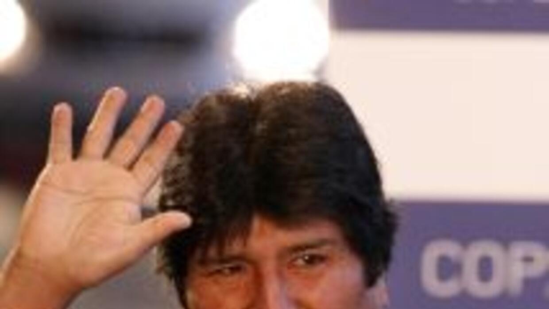 El presidente de Bolivia, Evo Morales, inauguró este jueves la primera p...