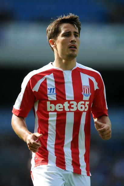 Stoke City incorporó al delantero español Bojan Krkic (Ajax) y al senega...