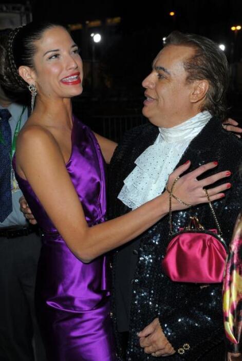 Natalia Jiménez no se pudo contener las ganas de abrazarlo.