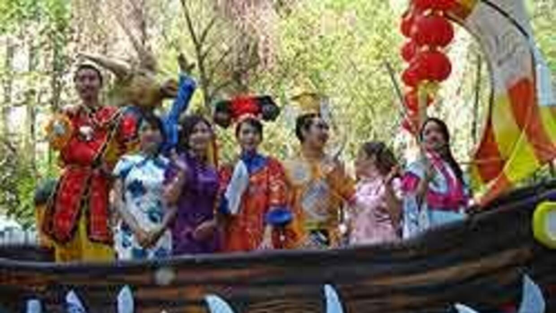 El año nuevo chino fue recibido en México con un desfile en el Distrito...