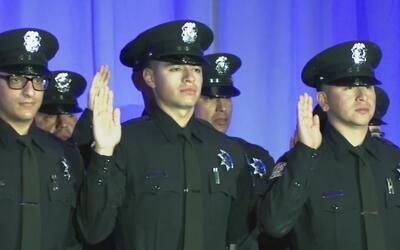 Se gradúan 27 nuevos oficiales de la policía en San José