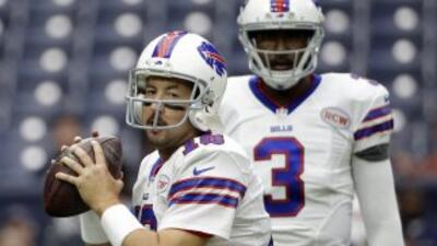 EJ Manuel y Kyle Orton (AP-NFL).