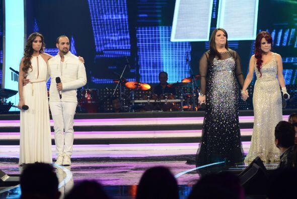 """Junto a Ana Cristina cantaron """"Olvídame tú"""" de M..."""