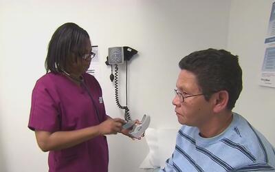 Saber quiénes son los profesionales que cubre tu seguro médico podría ev...