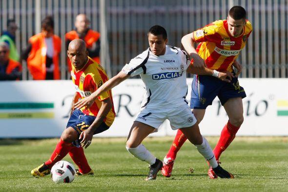 Lecce hizo valer su localía y le pegó al Udinese por 2-0.