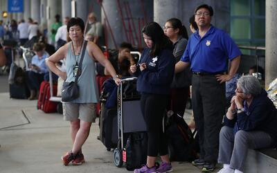 Miles de pasajeros quedaron varados en el Fort Lauderdale luego del tiroteo