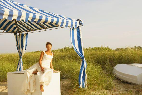 Puedes agregar carpas para protegerse del sol, lo ideal será optar por u...
