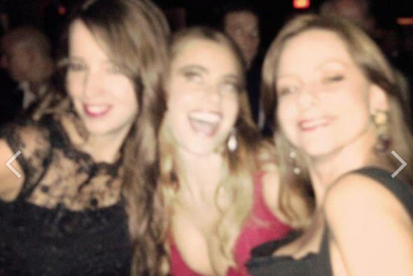 Sofía llevó a toda su familia a la fiesta del Emmy. Mira aquí lo último...