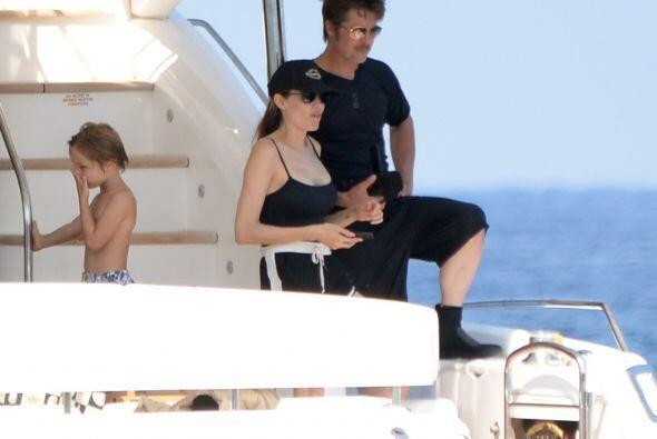 De plano, tanto Angelina como Brad perdieron todo el glamour en este viaje.