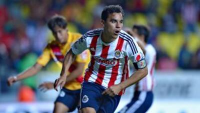 Omar Bravo marcó los dos goles de Guadalajara.