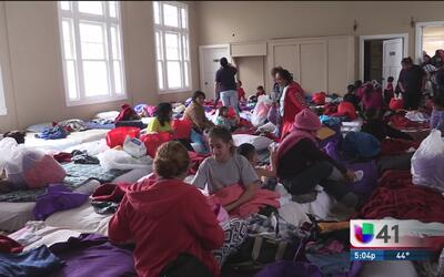 Recaudan donativos para madres inmigrantes y sus hijos albergados en igl...