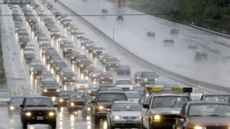 Con la lluvia aumenta la posibilidad de un accidente, por eso es importa...
