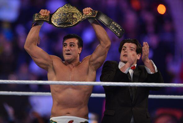 El mexicano, campeón mundial, ha conquistado a la audiencia con su espec...