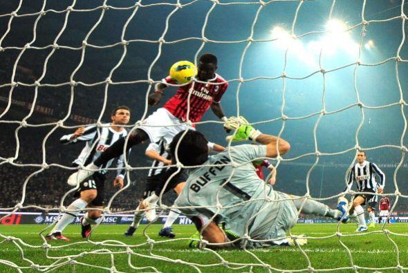 Ali Muntari estuvo muy cerca de marcar el 2 a 0 para el Milan pero...