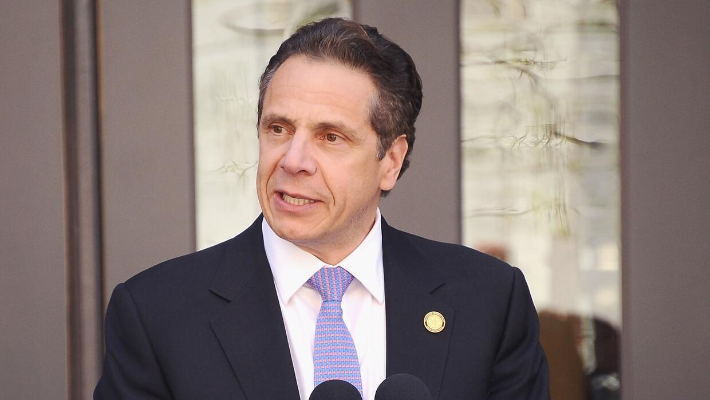 El gobernador Cuomo fue alabado cuando se anunciaron los fondos para viv...