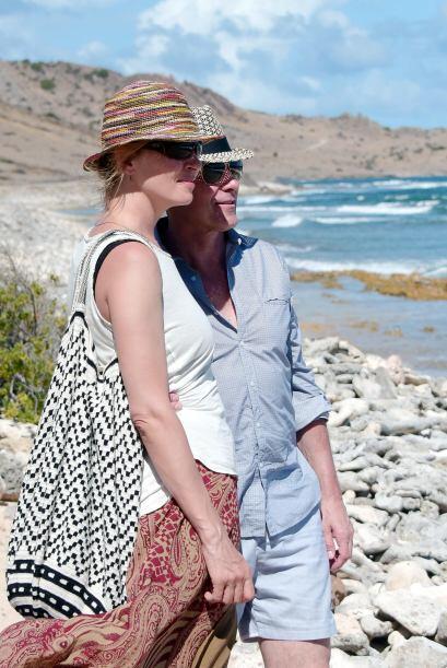 Uma y su pareja disfrutaron del bello paisaje.