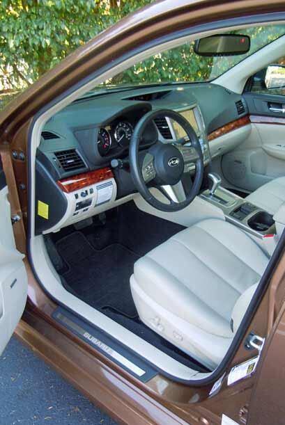 Por dentro el modelo 2010 mostró un espacio moderno y atractivo.