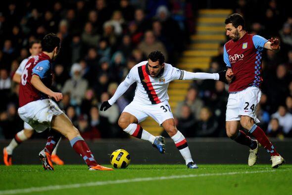 El equipo de Mancini, Manchester City, no jugó bien. Carlos Tévez intent...