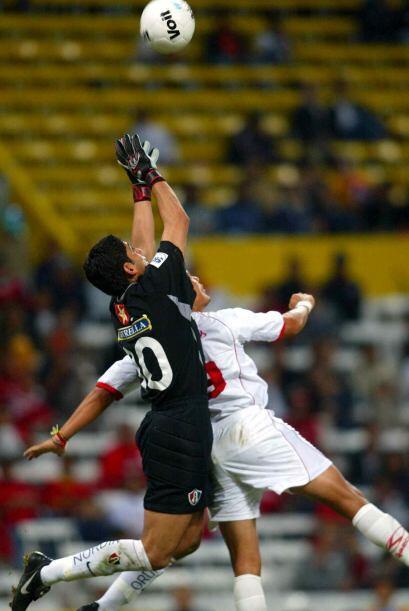 José de Jesús Corona debutó de la mano de Fernando...