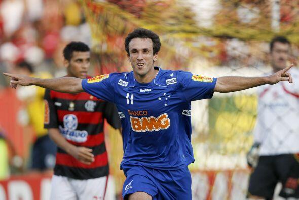El brasileño Thiago Ribeiro del Cruzeiro fue el goleador de la Li...
