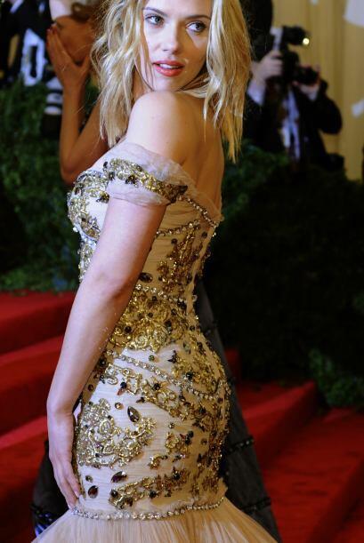 Scarlett Johansson se ve bien en cuatro ejercicios que reafirman su atra...
