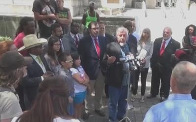 Presentan demanda contra ordenanza municipal que prohíbe alimentar a ind...