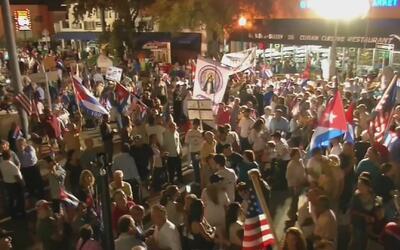 Jóvenes estadounidenses con raíces cubanas apoyaron a exiliados durante...