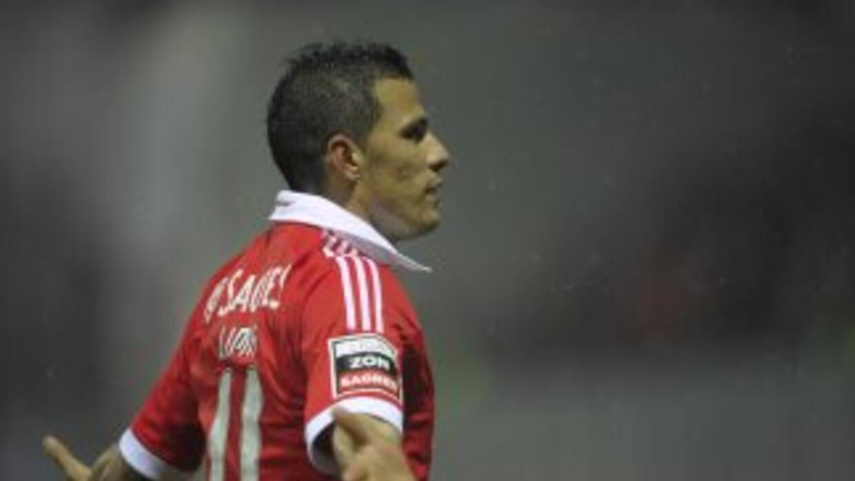 Rodrigo Lima hizo uno de los dos gles del Benfica.
