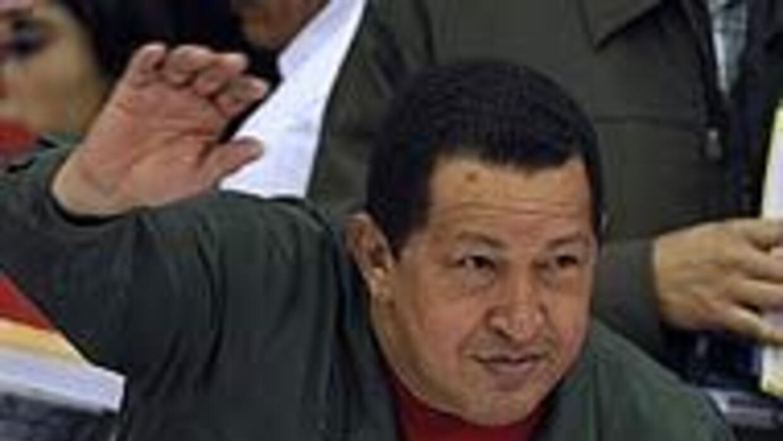 "Chávez invitó a Fidel Castro y a Evo Morales a usar Twitter ""para la bat..."