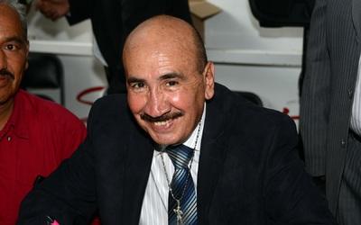 Carlos Zárate.