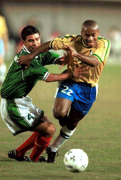 En 1999, Rafa Márquez  fue considerado para disputar la Copa América de...